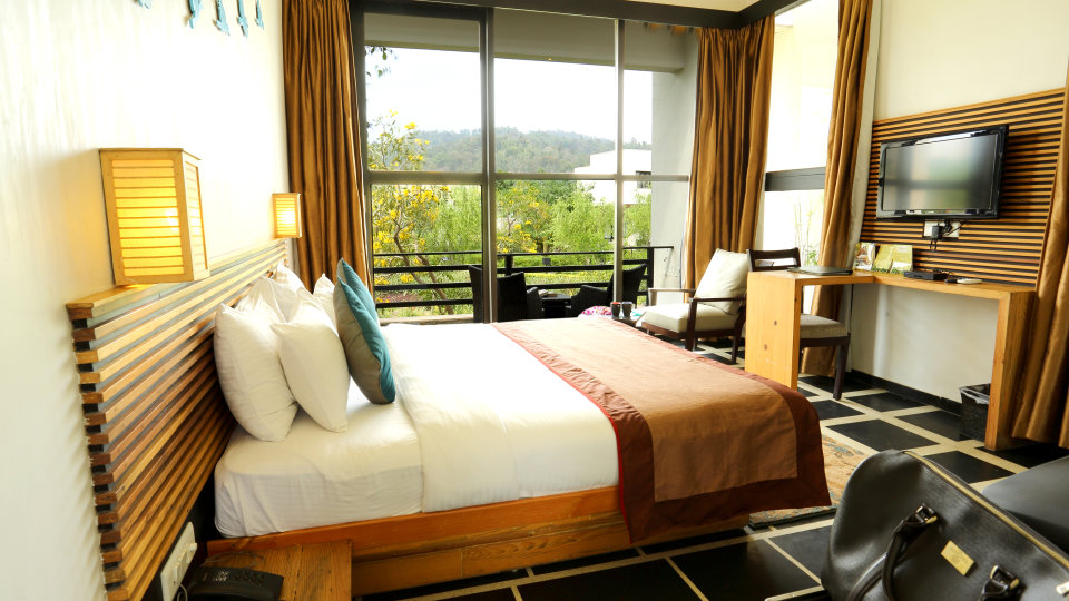 Forest View Room at the golden tusk resort ramnagar, resort in Corbett 3