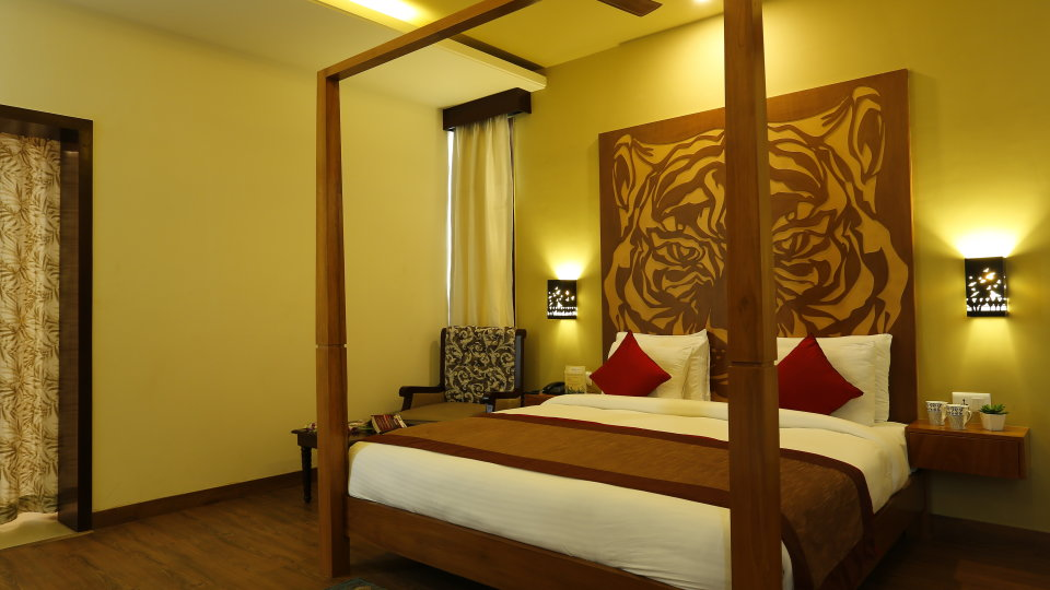 Tiger Suite The golden tusk ramnagar, suites in corbett 11