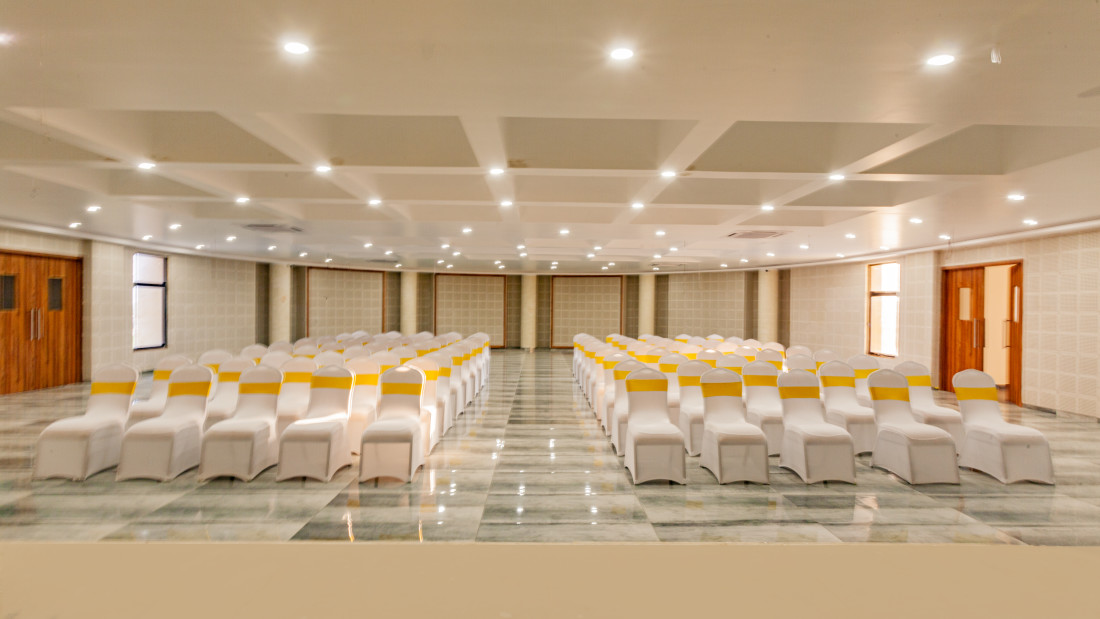 Mango Conference, Mango Hotels Select Dwarka 4