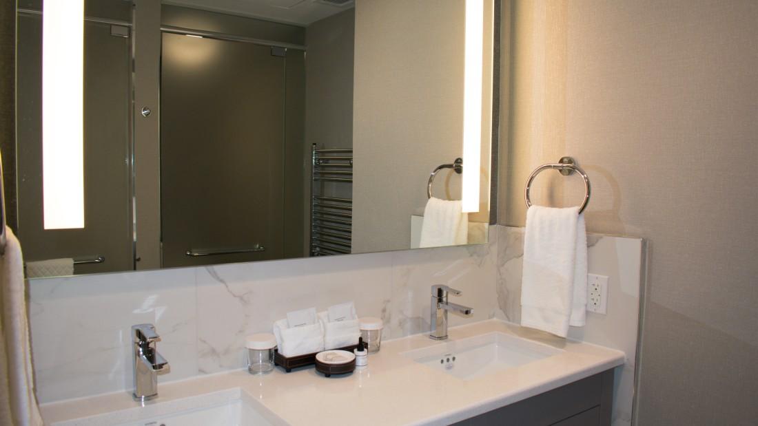 Getaway from NYC , YO1 Health Resort, Lakeview King Room 5