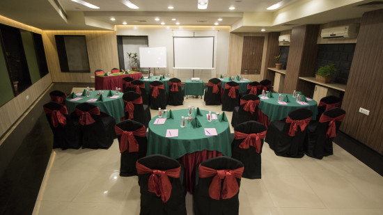 Coral Meeting and Banquet Hall at Kamfotel Hotel Nashik, Meeting Halls in Nashik 12