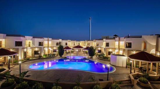 Swimming Pool, Mango Hotels Select Dwarka 3