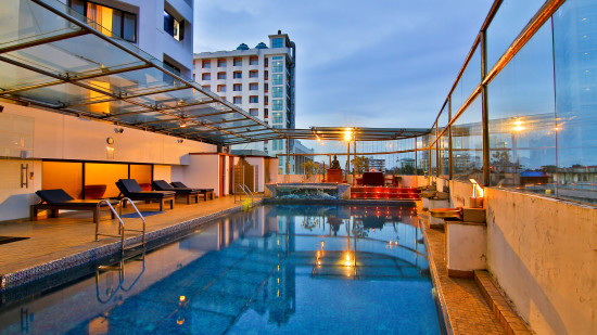 Swimming Pool ,The Gokulam Park Hotel Kochi