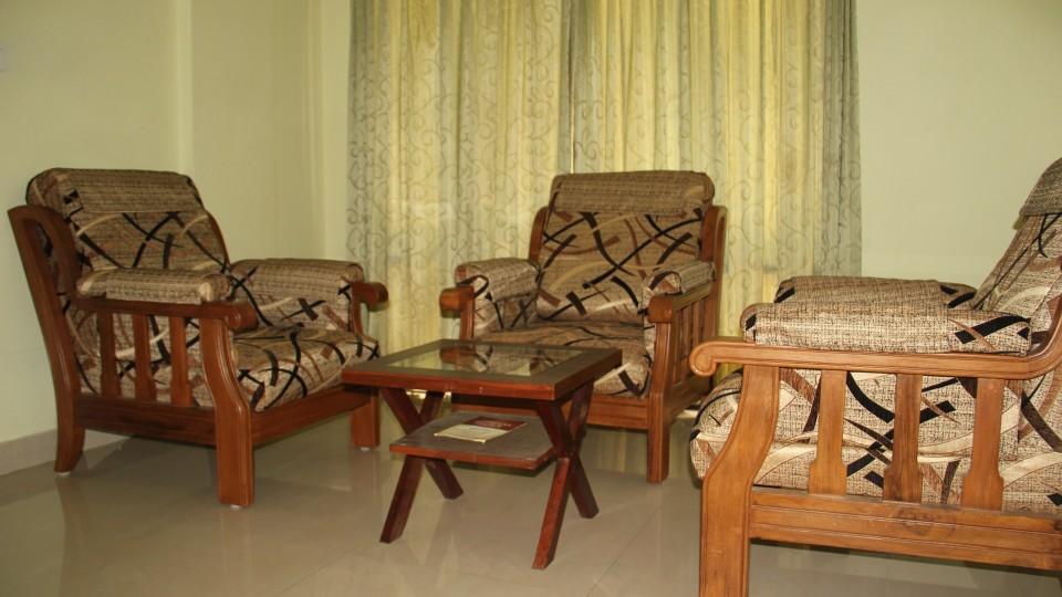 Hotel Arama Suites Bangalore living area aqua suite hotel arama suites bangalore