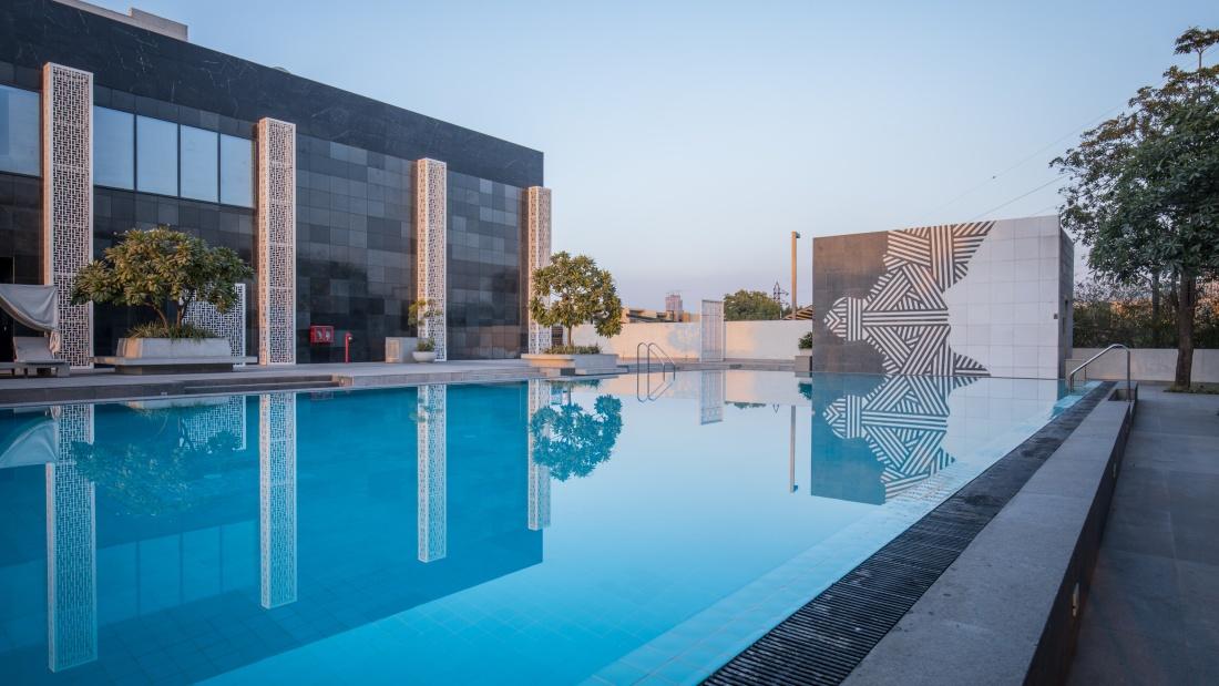 Karma Lakelands Swimming Pool in Gurgaon Resorts with Swimming Pool in Gurgaon Pool Villas in Gurgaon 28