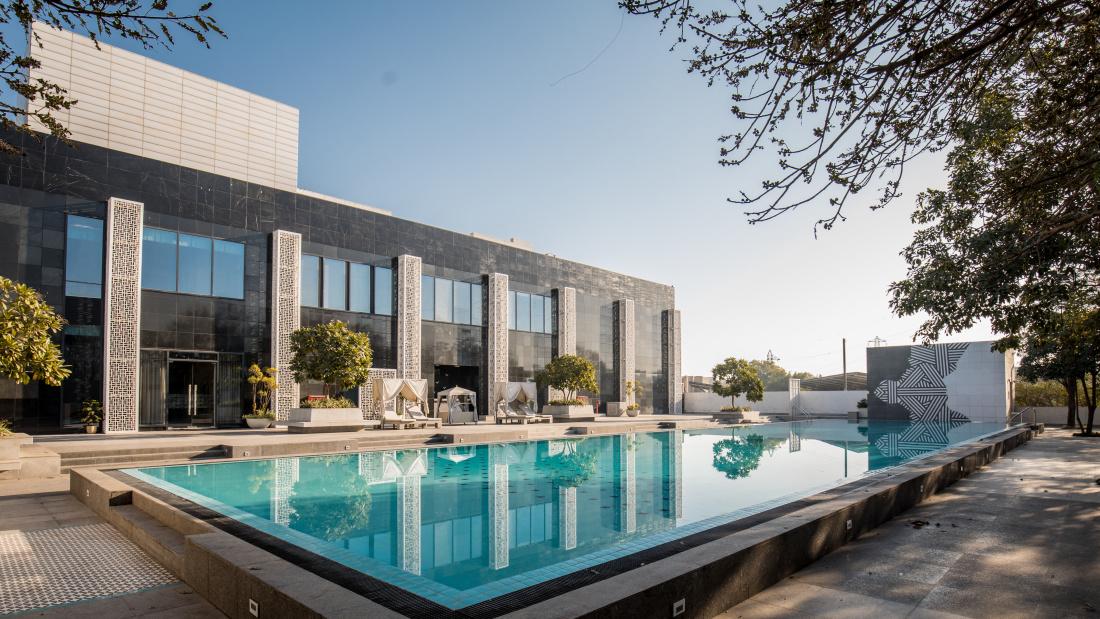 Karma Lakelands Swimming Pool in Gurgaon Resorts with Swimming Pool in Gurgaon Pool Villas in Gurgaon 6