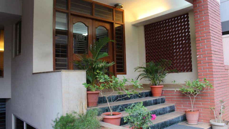 Golf Inn Executive Hotel, Bangalore Bangalore facade 7 golf inn executive hotel near embassy golf links business park