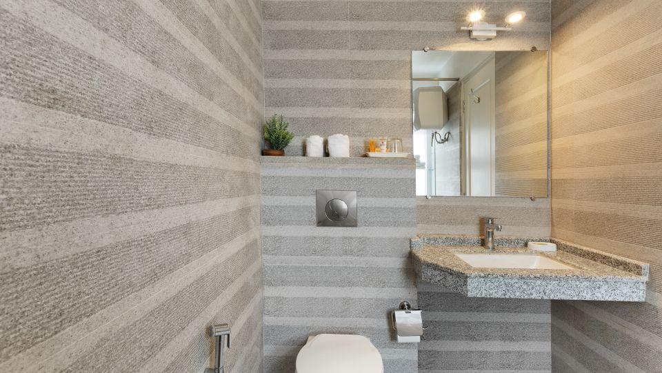Washroom 3 Pinewood Nainital kscfs3