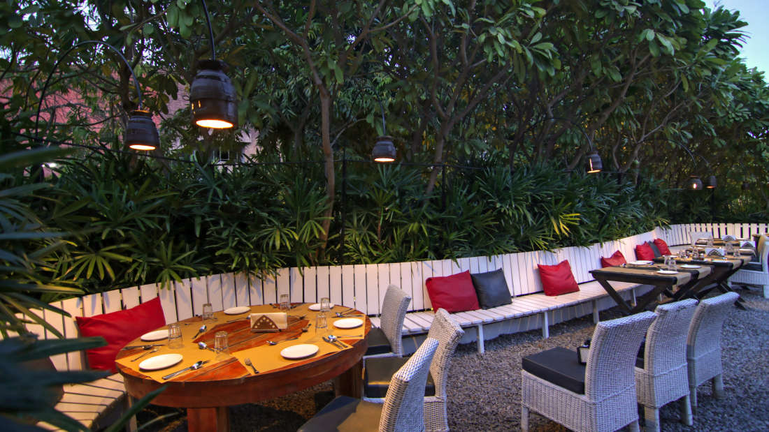 The Forresta Kitchen   Bar Hotel Devraj Niwas 11