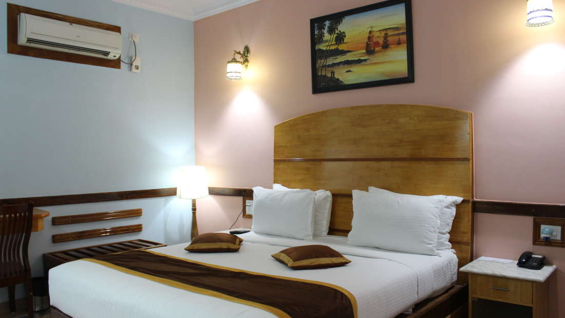 Deluxe Room at Hotel Presidency Bangalore 3