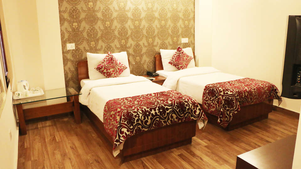 Hotel Pals Inn, Patel Nagar, New Delhi New Delhi Deluxe Room Hotel Pals Inn Patel Nagar New Delhi 4