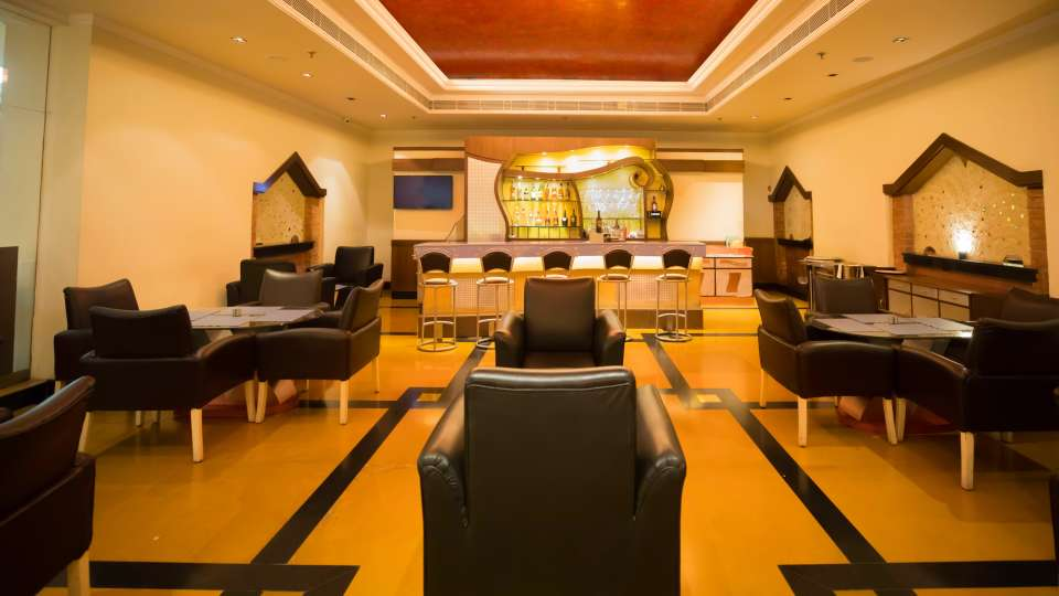 Bars in Lucknow,Theka Bar At The Piccadily, Hotel with Bar in Lucknow 5