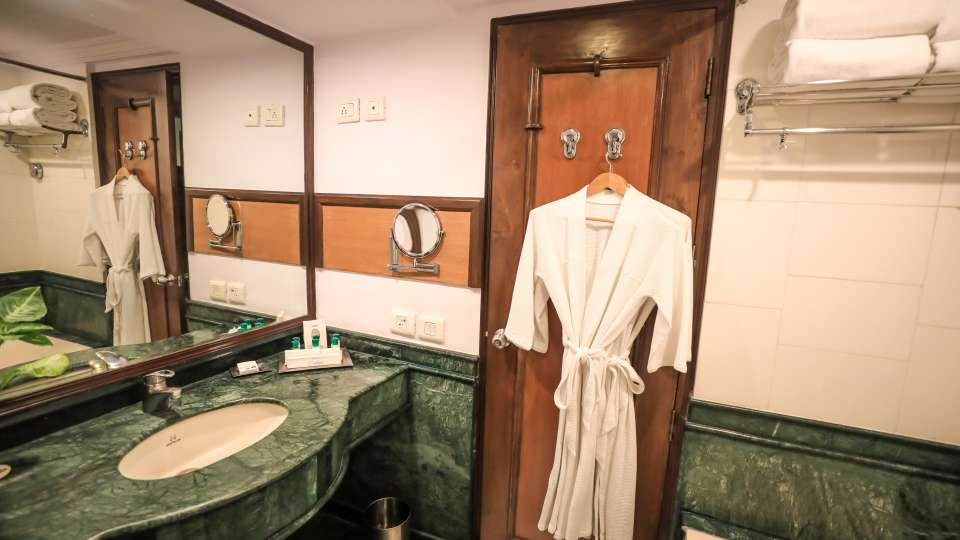 Suites in Lucknow,The Piccadily Lucknow, Best Hotel in Lucknow 11