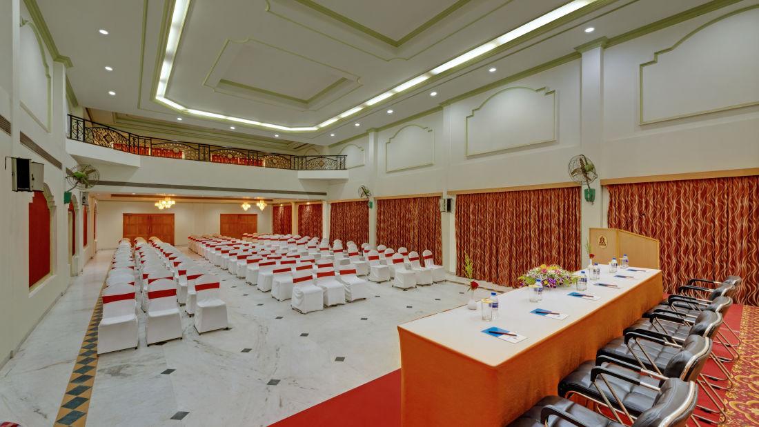 Banquet Hall in Tiruchirappalli at the SRM Hotel 4