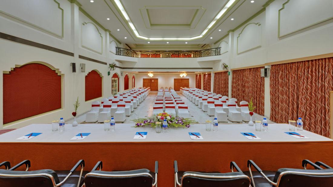 Banquet Hall in Tiruchirappalli at the SRM Hotel 5