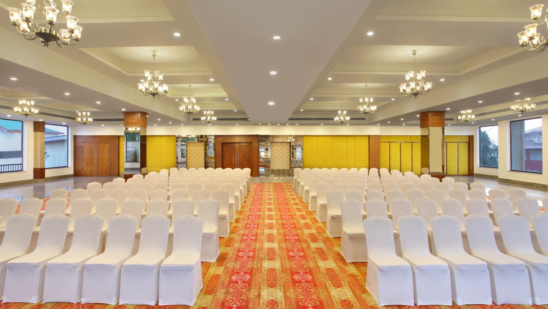 Banquet Halls at RS Sarovar Portico, Palampur  Hotels 12