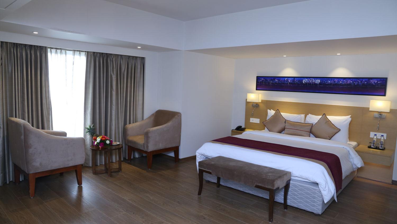 Deluxe Rooms Sarovar Portico Ahmedabad 4