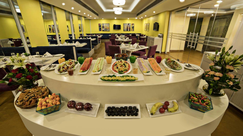 Dining at Sarovar Portico Naraina 3