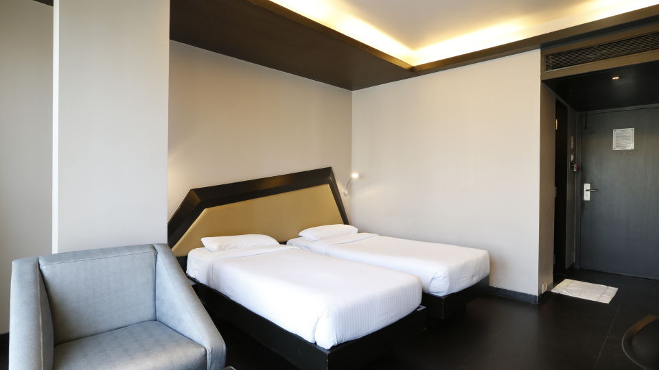 Deluxe Rooms in Anderi, Hotel Dragnfly, Hotels in Andheri East