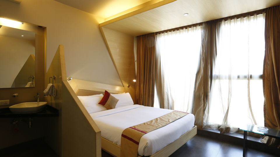 Super Deluxe Rooms in Andheri East Hotels,  Hotel Dragonfly, Andheri East Hotel
