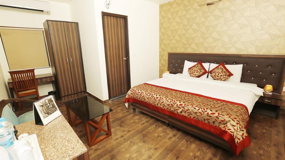 Hotel Pals Inn, Patel Nagar, New Delhi New Delhi Executive Room Hotel Pals Inn Patel Nagar New Delhi 3