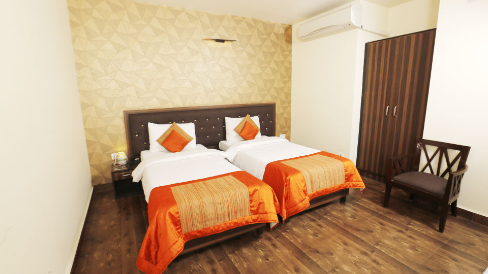 Hotel Pals Inn, Patel Nagar, New Delhi New Delhi Executive Room Hotel Pals Inn Patel Nagar New Delhi