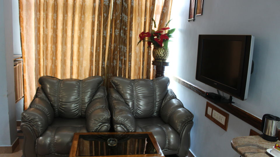 Deluxe Room at Hotel Presidency Bangalore 2