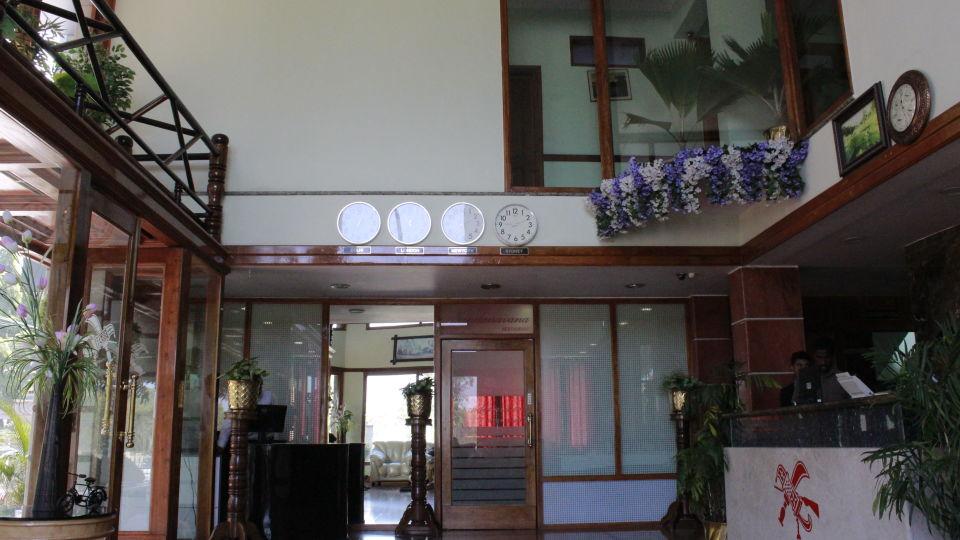 Hotel Presidency Bangalore - Lobby and reception 3