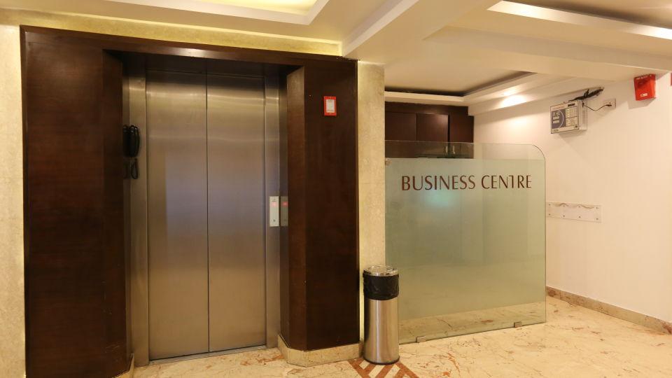 Business Centre at Le ROI Delhi Hotel Paharganj