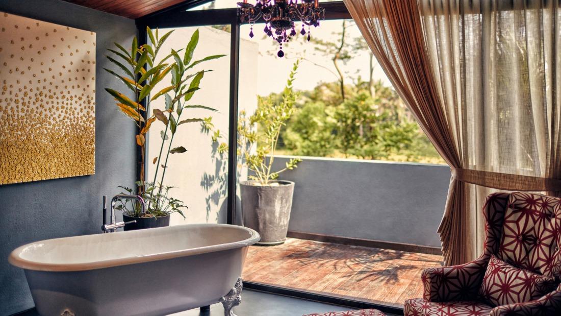 Jacuzzi at the private villa in Goa - Villa in Palms by V Escapes