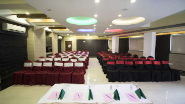 Topaz Meeting and Banquet hall at Kamfotel Hotel Nashik, Banquet Halls in Nashik 4