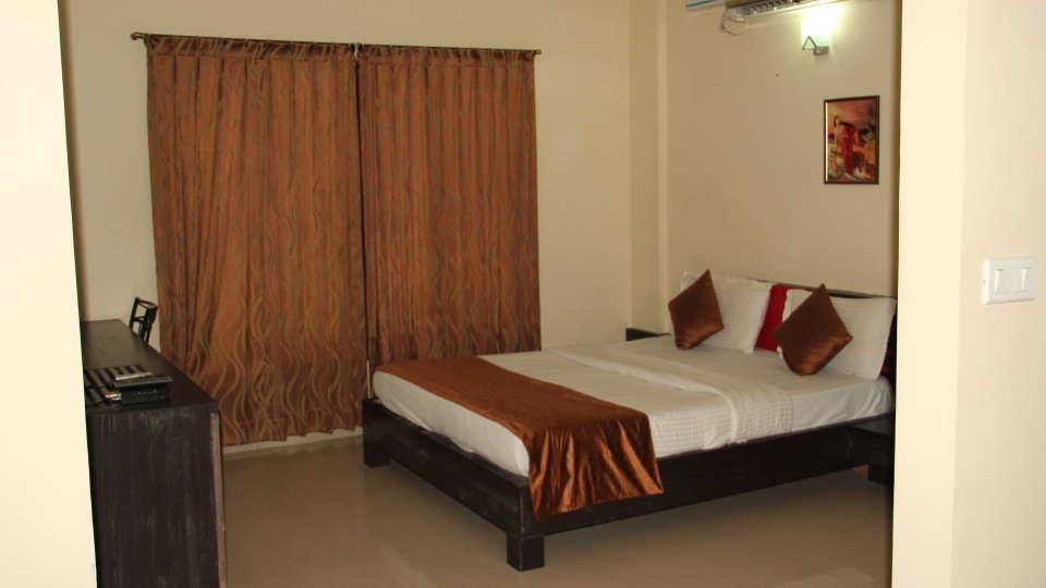 Hotel Arama Suites Bangalore bedroom terra suite 1 hotel arama suites bangalore