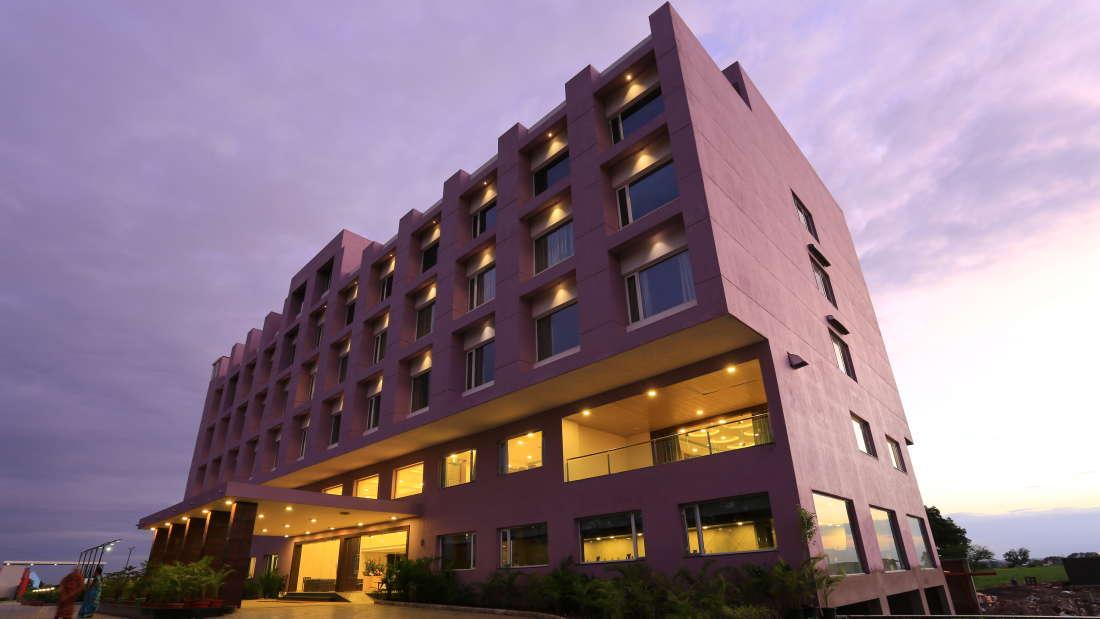 Hotel Nandan Kanan, Dewas Dewas Facade 2 Nandan Kanan Hotel Dewas