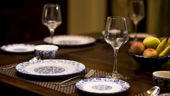 Dining  | Bara Bungalow, South Goa 3