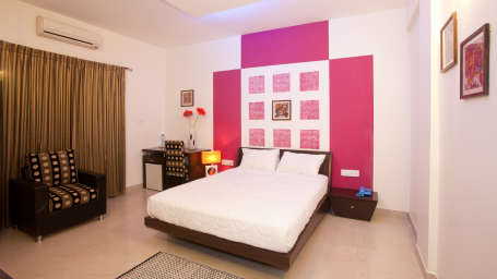 Serenity Inn  Club Room Hotel Niche Suites by Serenity Domlur Bangalore 4