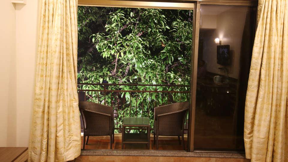 Super Deluxe Room, Zara\'s Resort, Khandala, Rooms in Lonavla 3