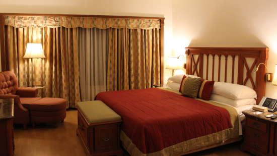 Rooms in Marine Drive, 5-Star Hotels near Mumbai Airport, Orchid Hotel Mumbai Vile Parle 1