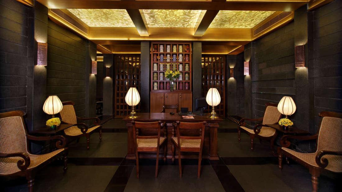 Sohum Spa Hotel Gokulam Grand Bangalore7