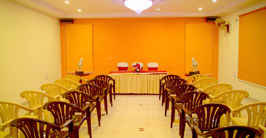 alt-text Meeting Hall Hotel Yasodha Towers 22