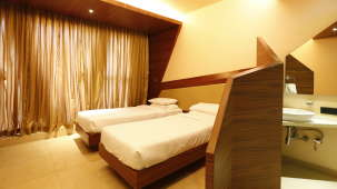 Deluxe Rooms in Andheri, Hotel Dragonfly, Andheri East Hotels