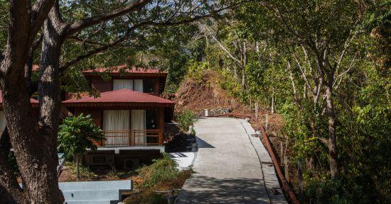 cottage path