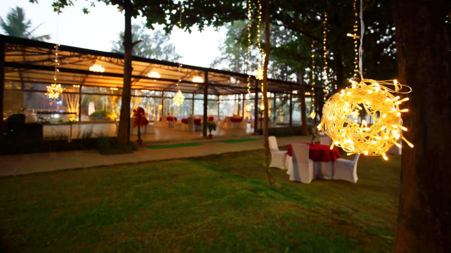 alt-text Royalton Leisure Resort Spa Bangalore27 dining Restaurant