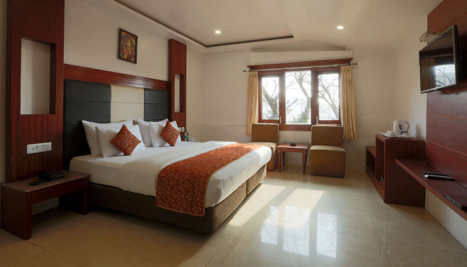 Deluxe Room with garden view at Alps Resort Dalhousie 13