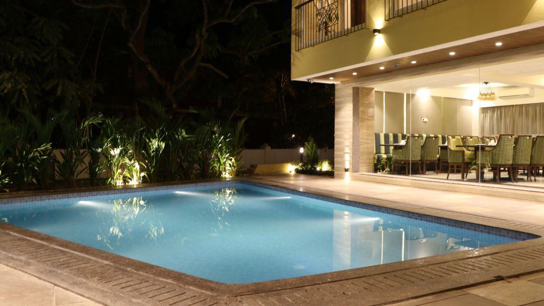 Pool Side Restaurant Amara Vacanza Grand Inn,  Resort near Calangute Beach, Goa beach resort