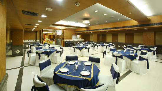 Emblem Hotel, Sector 14, Gurgaon Gurgaon Banquet hall in Emblem Hotel Sector 14 Gurgaon 4