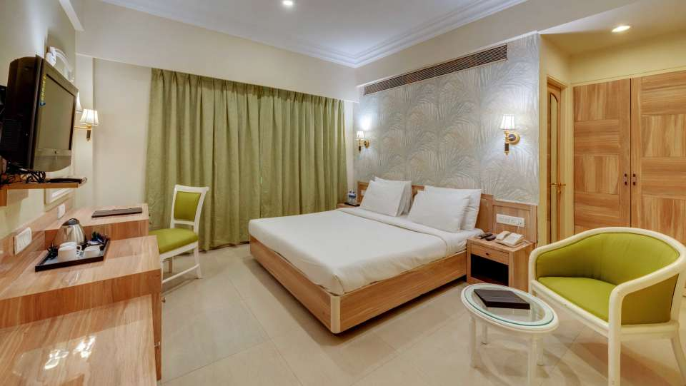 dlx mater bed room