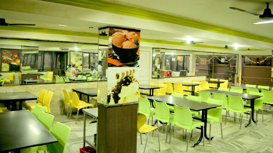 Restaurants Hotel Yasodha Towers 8