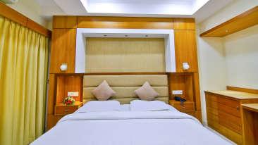 Family Suite, Hotel Sree Gokulam Vanamala, Suites In Guruvayur 1