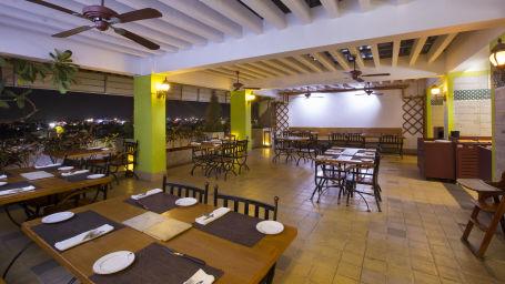 Roof Top Restaurant 2