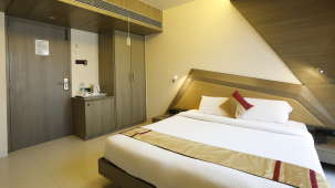 Super Deluxe Rooms in Andheri, Hotel Dragonfly, Andheri East Hotels